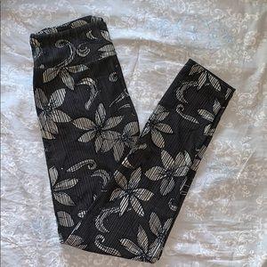 LuLaRoe Women's One Size Leggings